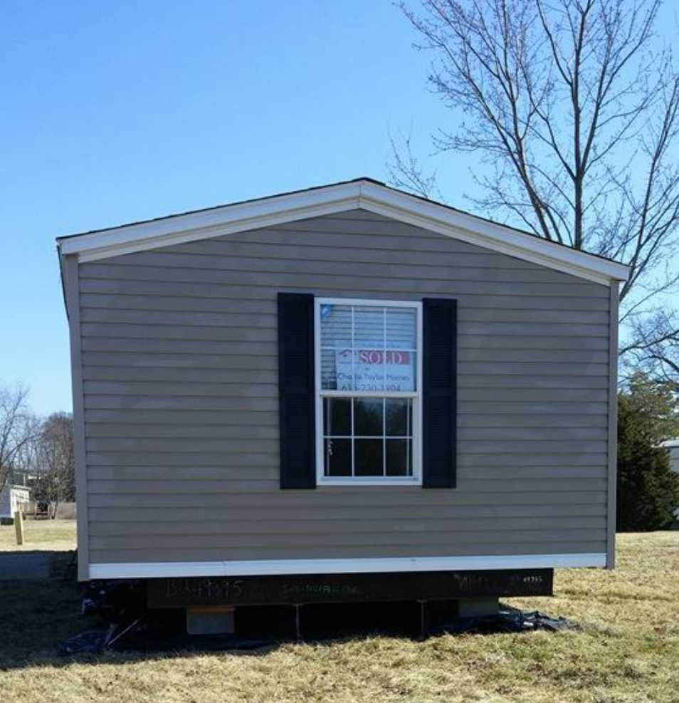 Single wide mobile home set up Tennessee Triple J Mobile Home Service